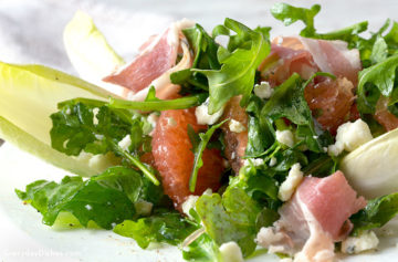 Arugula grapefruit salad with blue cheese recipe