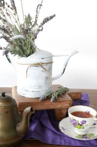 lavender centerpiece | 6 inspiring ways to use lavender | Everyday Dishes & DIY.com