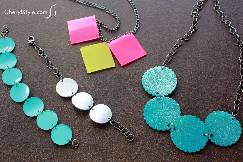 Make DIY shrink jewelry with plastic clamshell containers