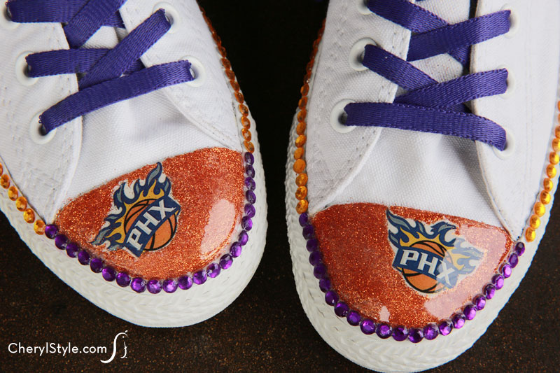 How to embellish shoes with team colors to be the ultimate fan