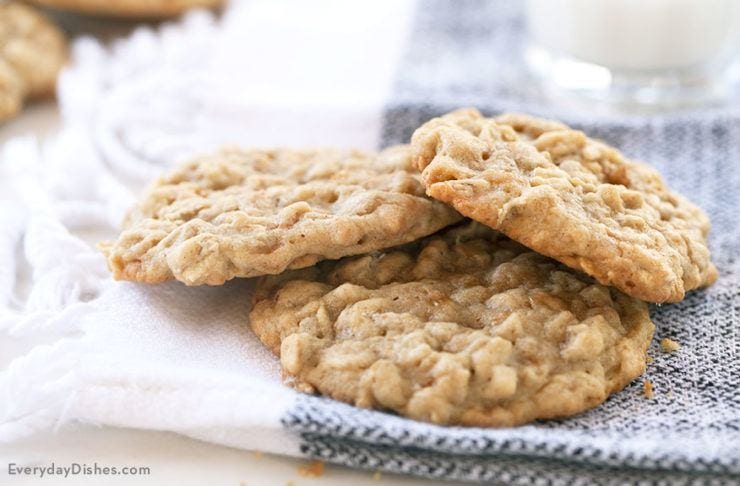 Chewy Oatmeal Toffee Cookies Recipe