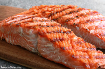 Grilled salmon with garlic butter recipe
