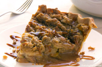 Caramel apple crumble pie recipe