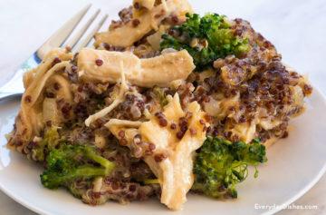 Chicken, broccoli and quinoa casserole recipe