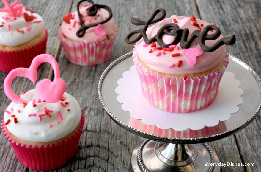 Valentine cupcake toppers & Chocolate cupcake toppers - Everyday Dishes u0026 DIY
