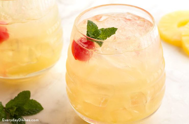 Pineapple vodka cocktail a super easy and refreshing recipe for Vodka cocktails recipes easy