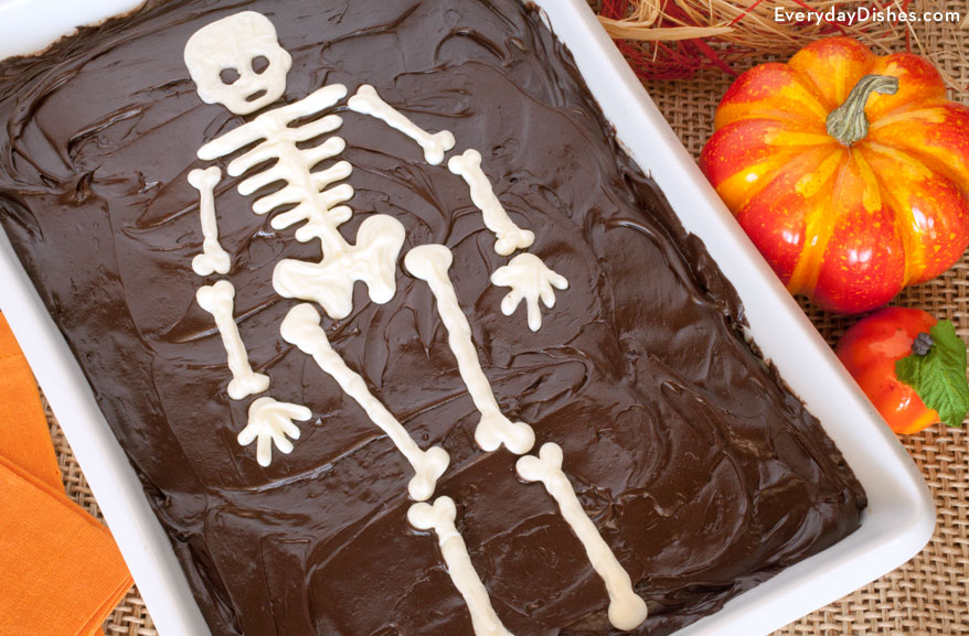cake with printable skeleton template for halloween - Halloween Skeleton Template