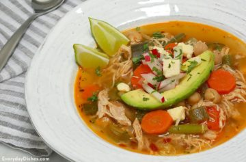 Low Carb Chipotle Chicken and Vegetable Soup