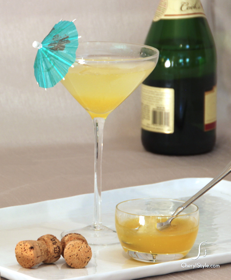 Apricot bellini Champagne drink recipe