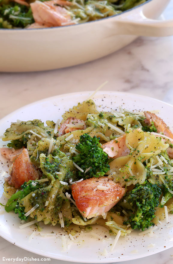 Salmon pesto pasta with broccoli recipe