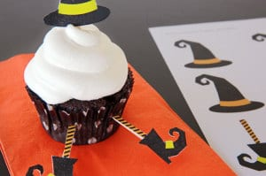 witch cupcake toppers | 7 easy halloween DIYs for you & your kiddos to create | Everyday Dishes & DIY.com