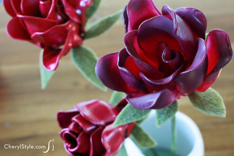 How to make inexpensive plastic spoon flowers that last