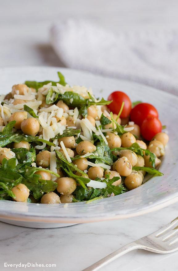 Chickpea pesto salad with arugula recipe