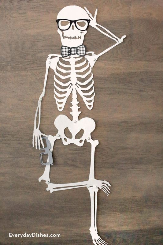 Massif image in skeleton cut out printable