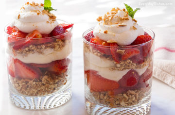 Strawberry Pretzel Salad Video