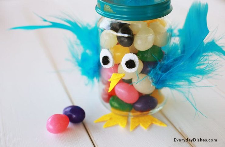How to make Easter treat jars using felt, pom poms and feathers
