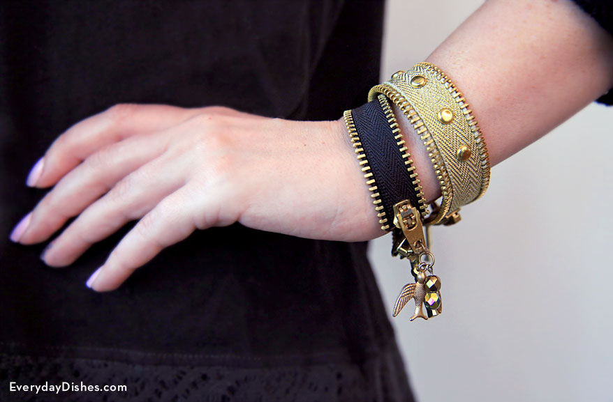 DIY zipper bracelet craft
