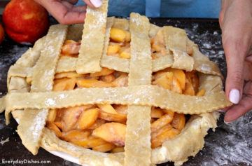 How To Make A Lattice Pie Crust Video