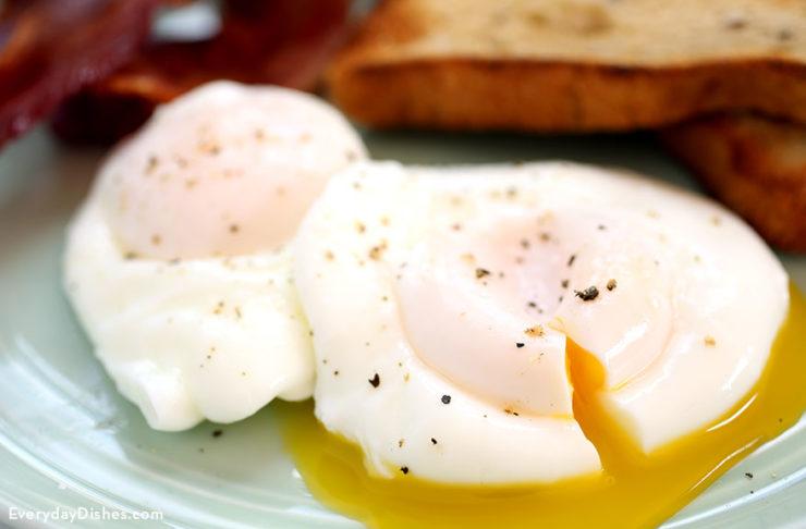 How to poach eggs recipe