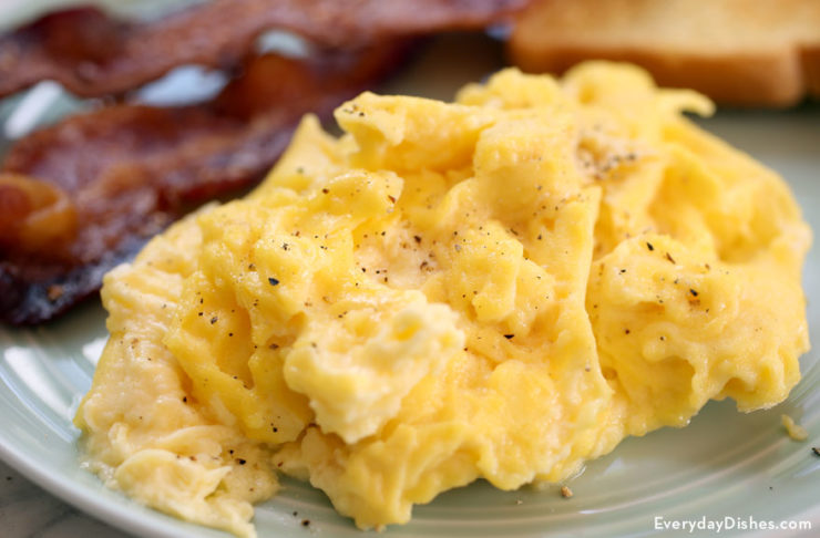 Fluffy scrambled eggs recipe video